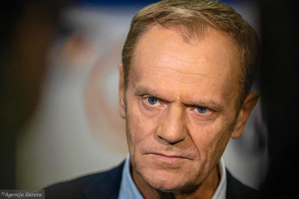 """""""Tusk jest bardzo pożądany jako lider Platformy"""". Pitera wprost o powrocie byłego premiera. Te słowa zabolą Budkę?"""