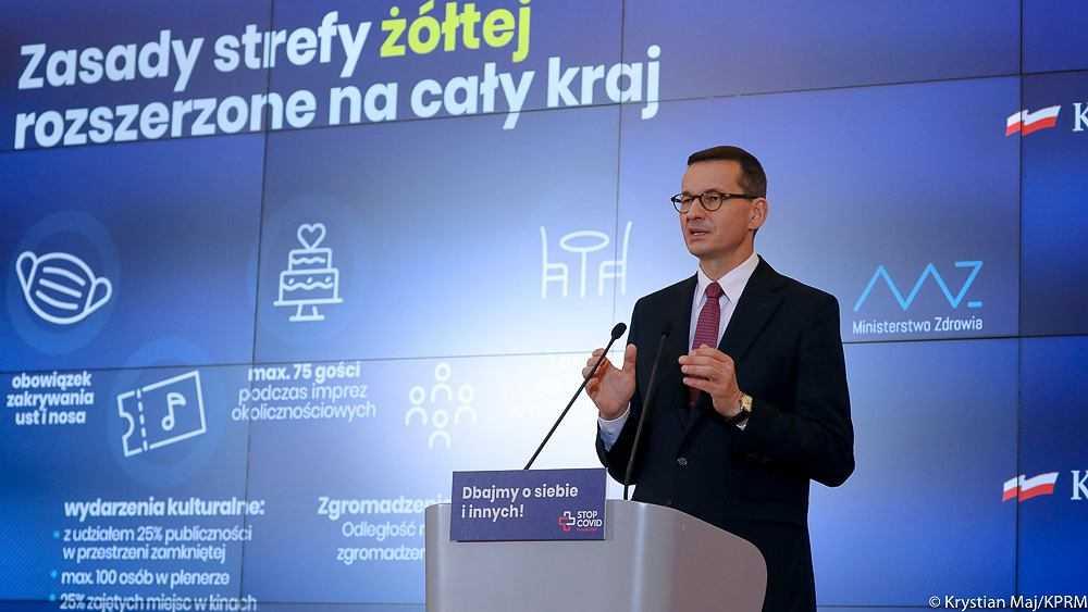 Koronawirus w Polsce. Pytanie do Morawieckiego, czy nie powinien przeprosić Polaków. Ten pokazuje wykres