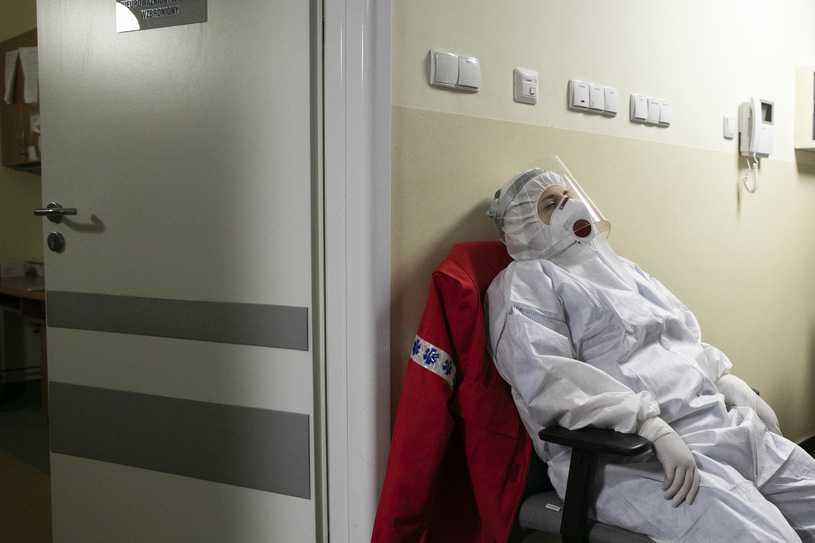 Krystyna Ptok: Od początku listopada dziennie umiera jedna pielęgniarka