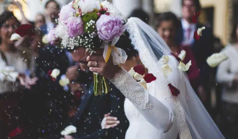Marzena po weselu zaczęła otwierać koperty. Była zażenowana ich zawartością