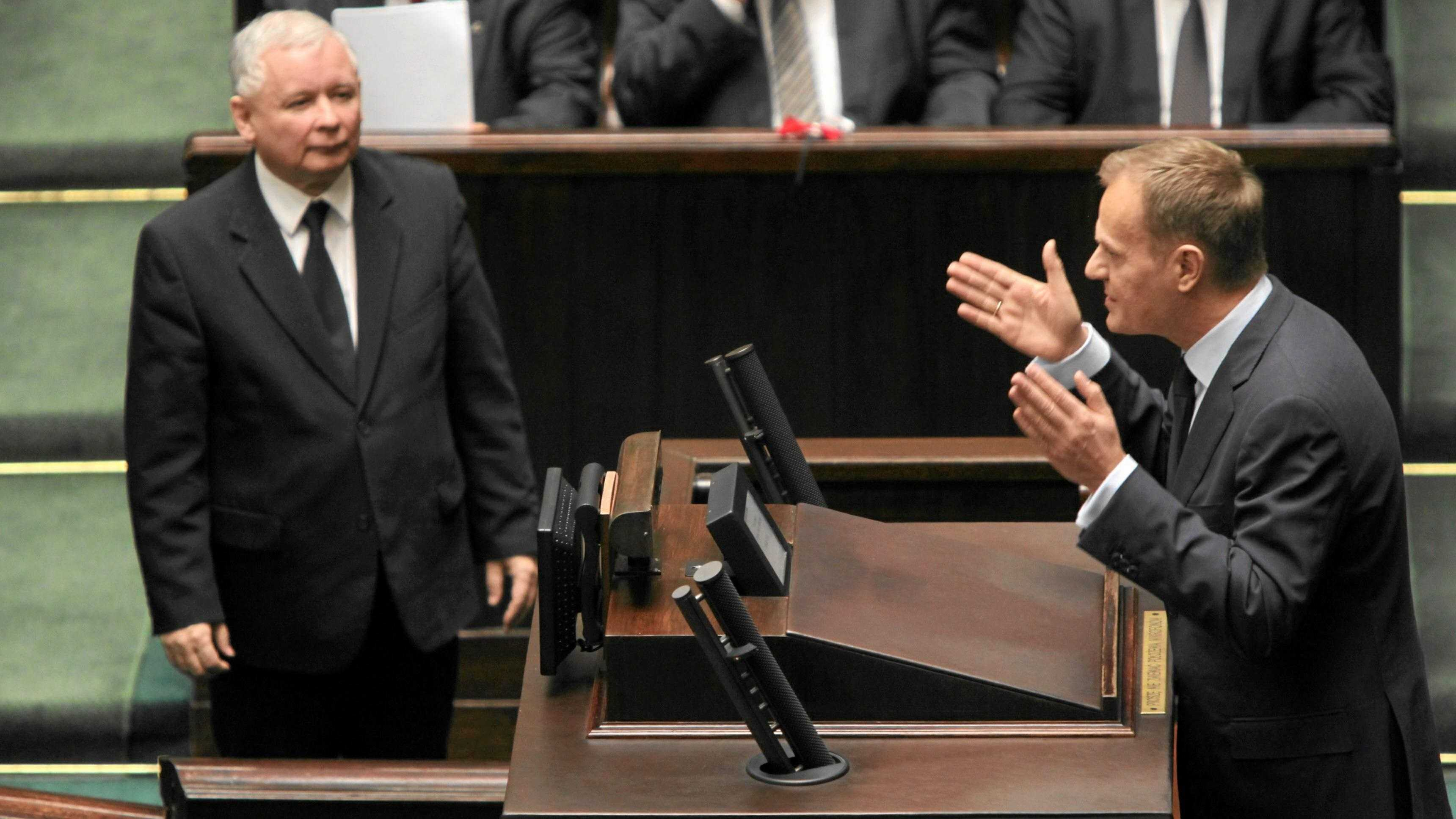 Za rządów Tuska UE zablokowała Polsce miliardy. Co wtedy mówili politycy PiS?