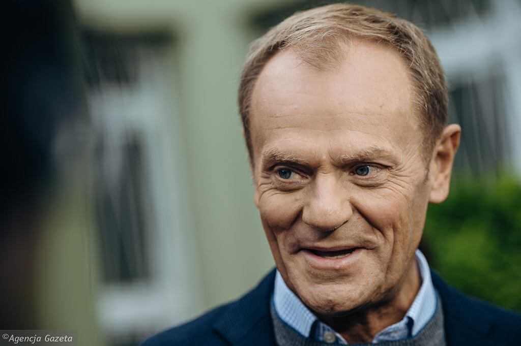 """Donald Tusk z wynikiem testu na koronawirusa. """"Nastrój - pozytywny"""""""