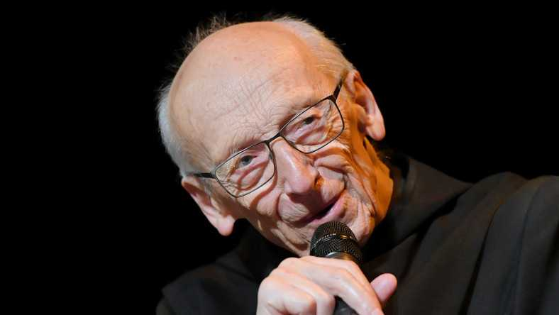 """91-letni o. Leon Knabit pokonał koronawirusa. """"Bóg zdecydował, żeby tym razem zostawić mnie na tym świecie"""""""