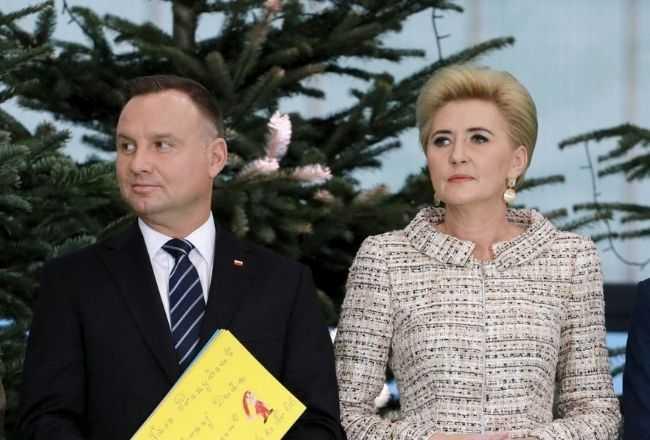 Agata Duda ubrała choinkę w pałacu prezydenckim. Niestety, jedna smutna rzecz zwraca uwagę