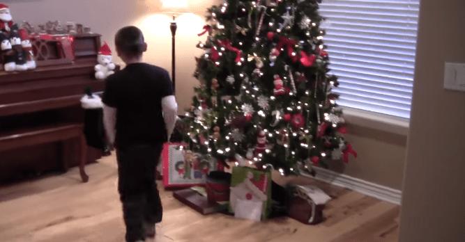 """11-latek wyznał, jak wyglądają Święta w jego domu. """"Tata pije, mama wrzeszczy…"""""""