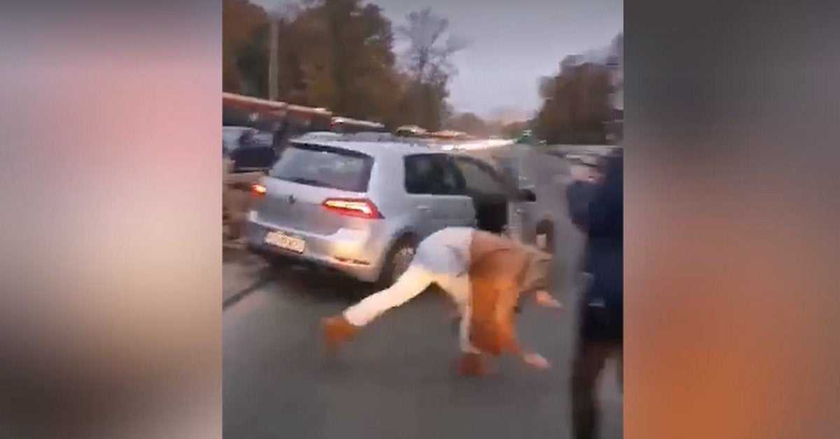 """Nie zostanie ukarany za potrącenie autem kobiety na proteście? """"Nie stwierdzono, by naruszył czyjeś prawa"""""""