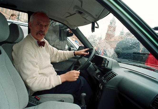 Wypadek Korwina-Mikkego w Otwocku. Z kim się zderzył? Wiemy, kim jest kierowca!