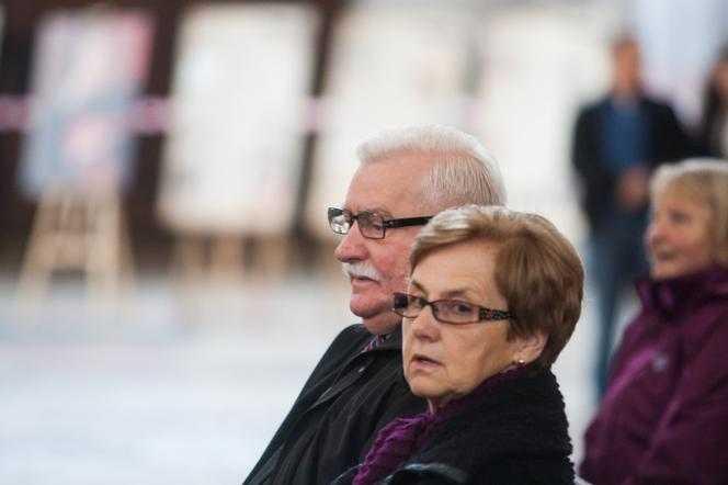 Zaskakujące pytanie Wałęsy po przysiędze małżeńskiej. Żona ujawniła to po latach