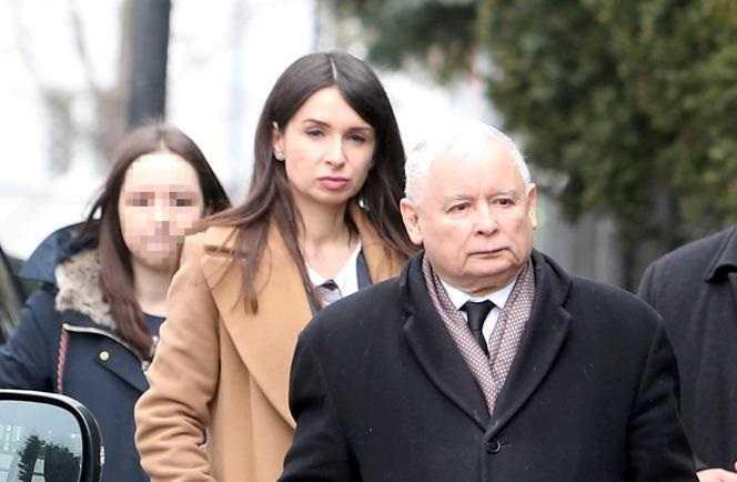Młody z PiS publicznie ujawnił delikatną prywatną sprawę Jarosława Kaczyńskiego. Musiał to zrobić. Wyższa konieczność