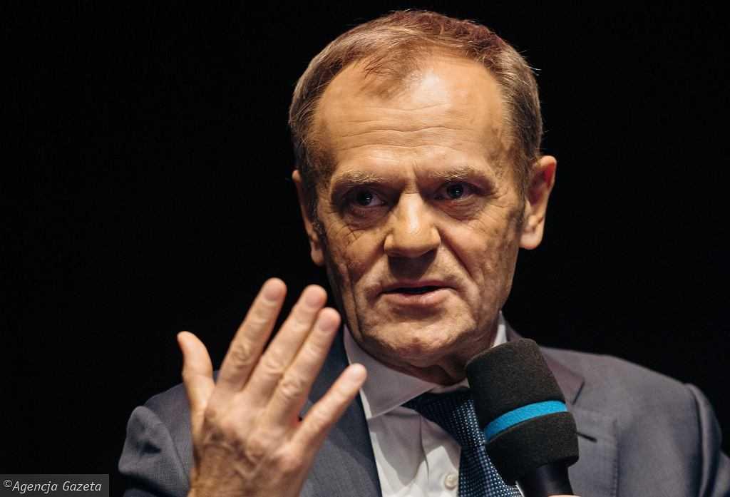 O co chodzi Tuskowi? Ujawnił coś o Morawieckim na Twitterze