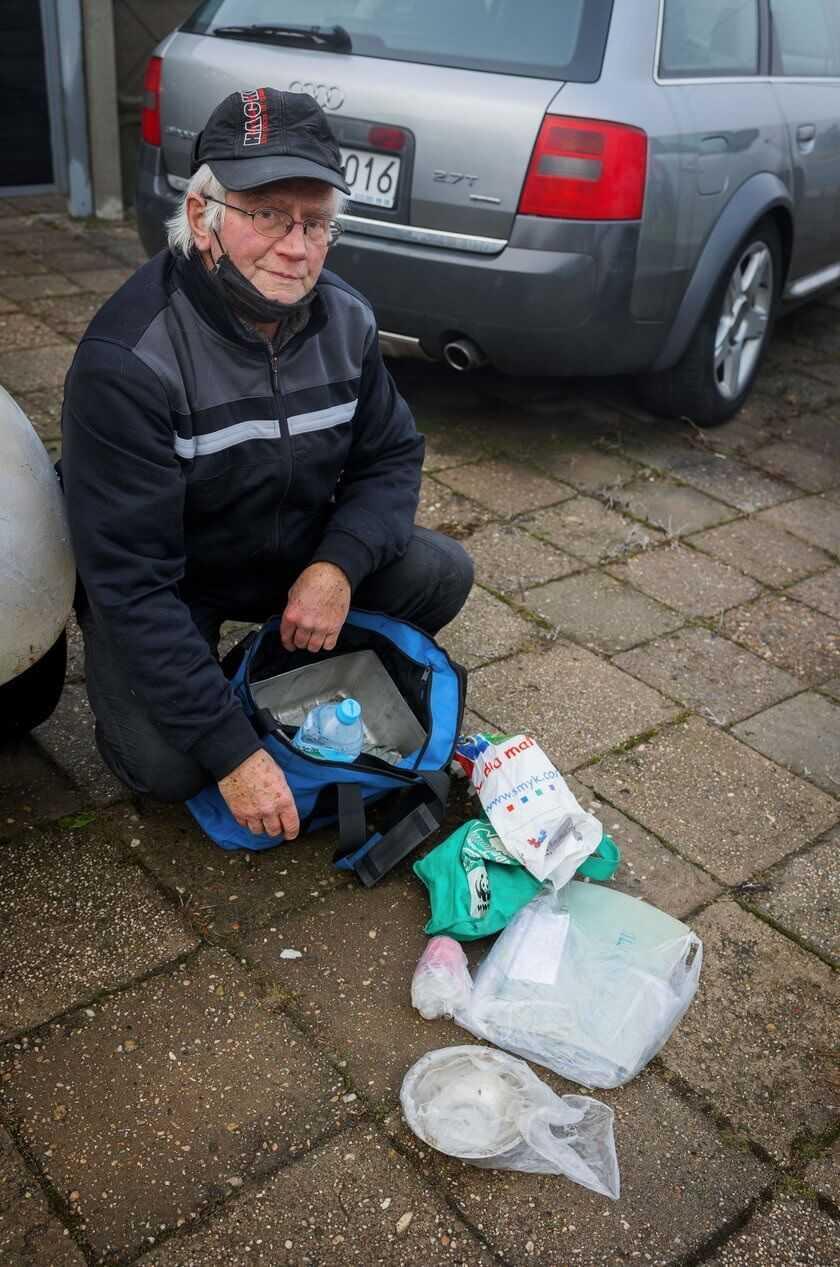 Emeryt żyje na ulicy. Nie stać go było na mieszkanie!