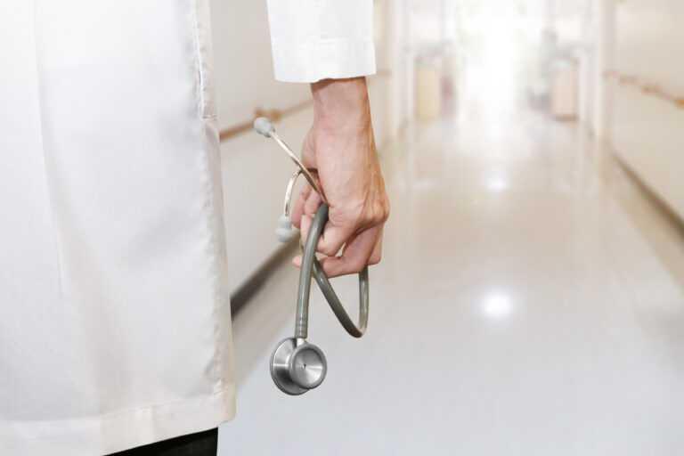 Śmierć z powodu szczepionki na Covid-19? 23 seniorów zmarło po pierwszej dawce