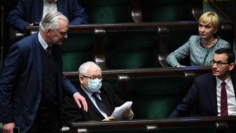 Politycy KO zapytali Kaczyńskiego, czy respiratory od handlarza bronią trafiły do szpitali