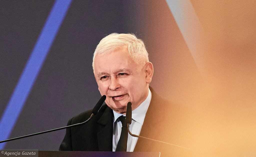 """Jarosław Kaczyński już od wielu lat """"walczy"""" z """"nepotyzmem i kolesiostwem"""". Bezskutecznie"""
