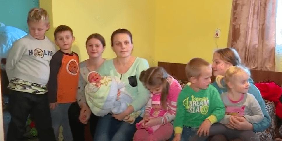 """Największa polska rodzina na Ukrainie żyje za niespełna 750 zł. """"My wegetujemy"""""""