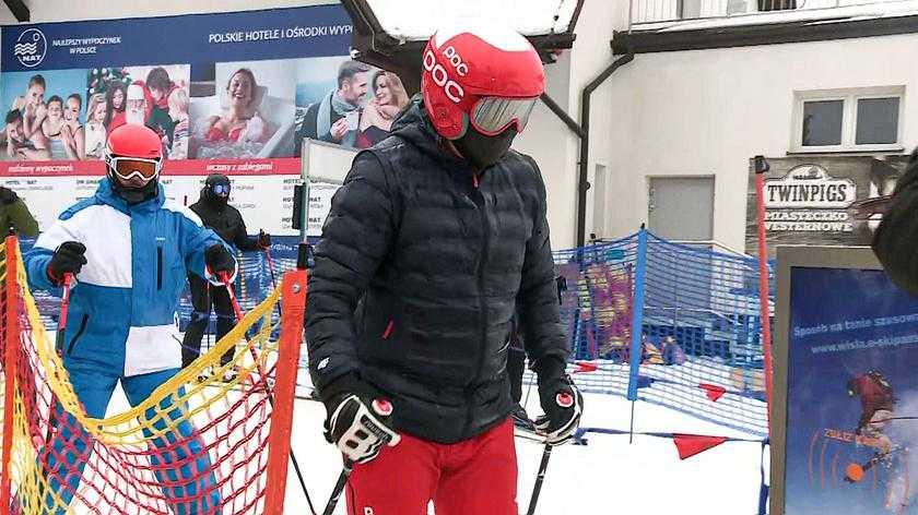 Andrzej Duda wracał z nart na sygnale. Inni musieli stać wiele godzin w korku
