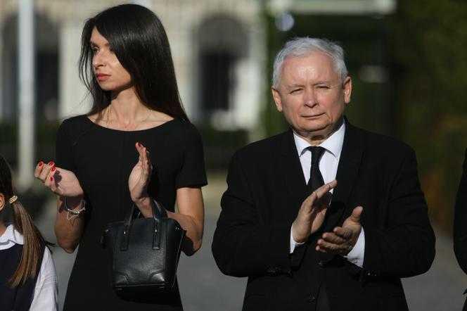 Znowu! Który to już raz?! Wspaniała nowina dla Marty Kaczyńskiej. Dziadek Jarek pęknie z dumy