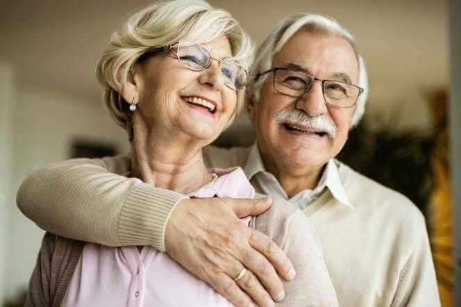 """Rewolucja w emeryturach. Rząd odda podatek. """"To sposób na podwyższenie wieku emerytalnego"""""""