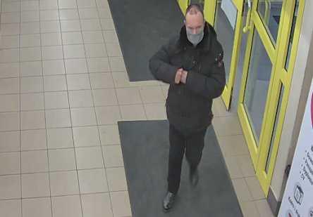 Kraków: Policja szuka mężczyzny podejrzanego o kradzież