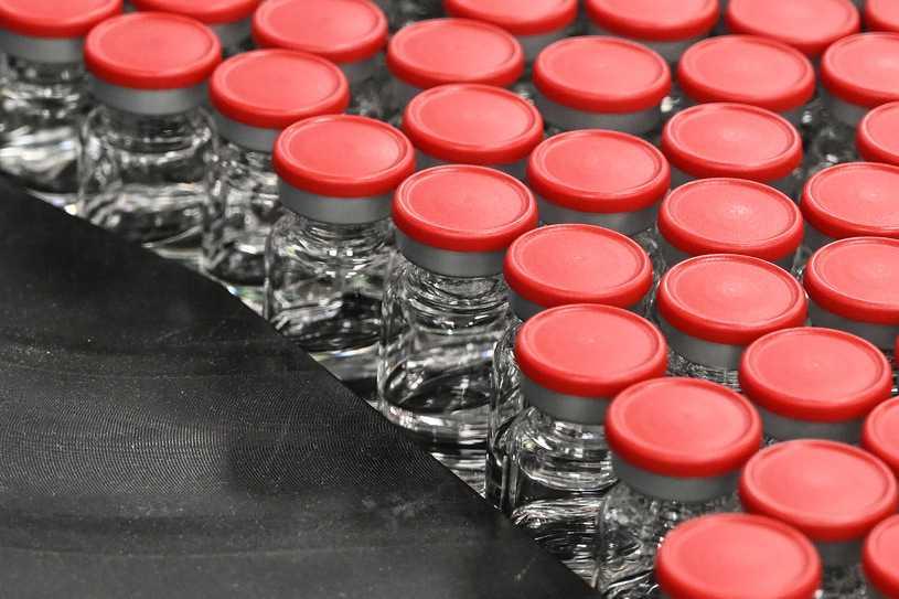 Oksford zaczyna testy wziewnej szczepionki na COVID-19