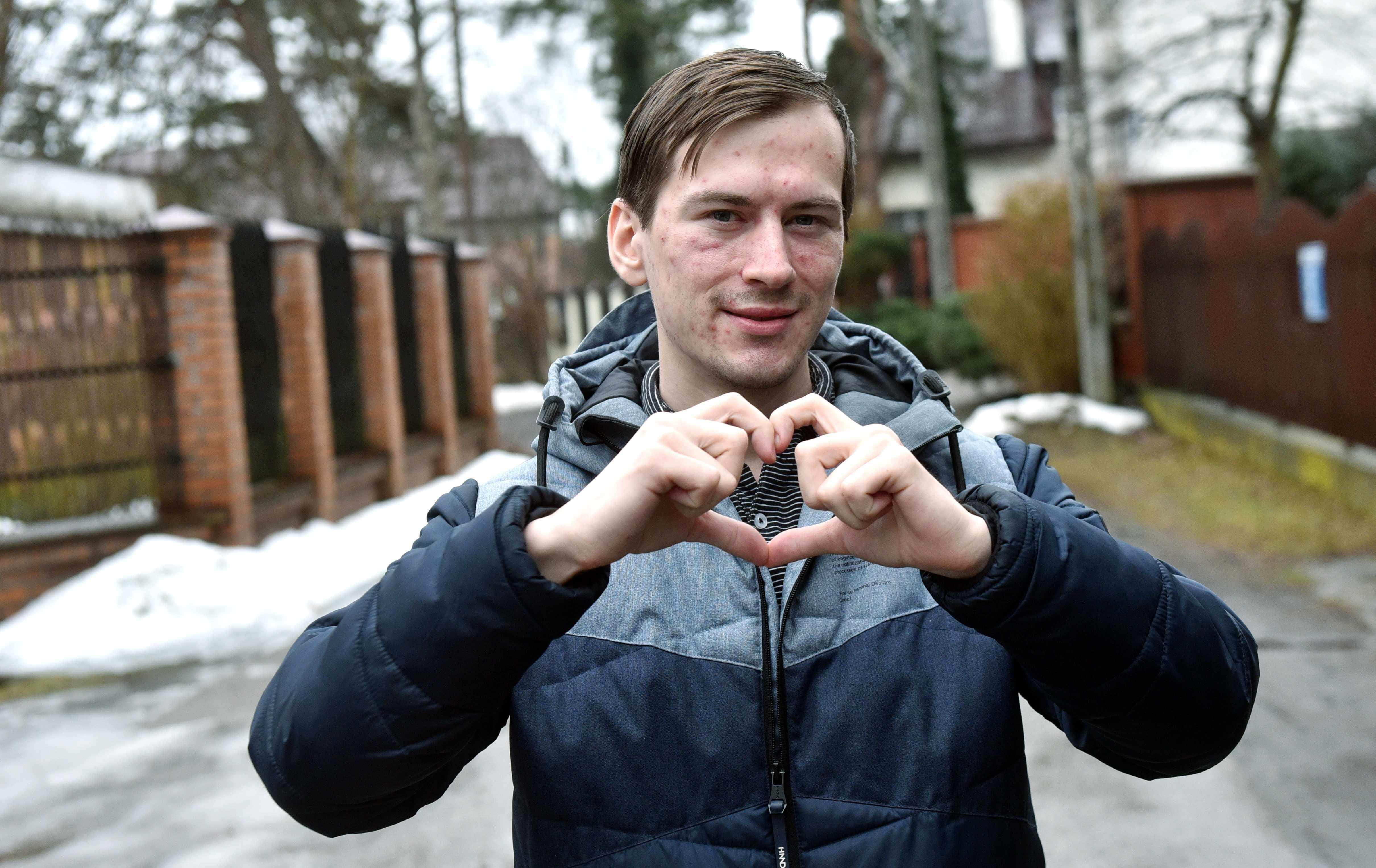 Polska rodzina z Kazachstanu nie może wrócić do Polski. Syn prosi o pomoc