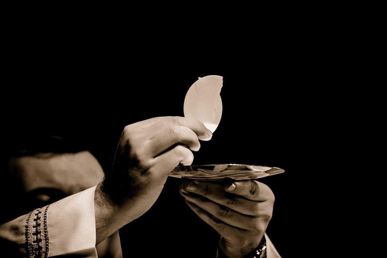 Wszyscy księża z parafii zakażeni COVID-19. Sanepid pilnie poszukuje wiernych