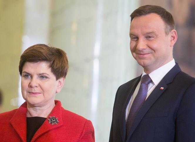 Czarne chmury nad Beatą Szydło i Andrzejem Dudą! Przewodniczący nie ma złudzeń, to nie przelewki