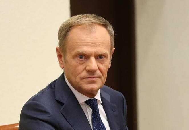 Sondaż. Donald Tusk liderem opozycji. Podium zamyka poseł Konfederacji