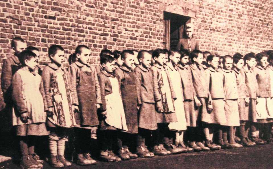 """2,5-letnie dziecko w obozie koncentracyjnym. """"On płakał nie ze strachu…"""""""