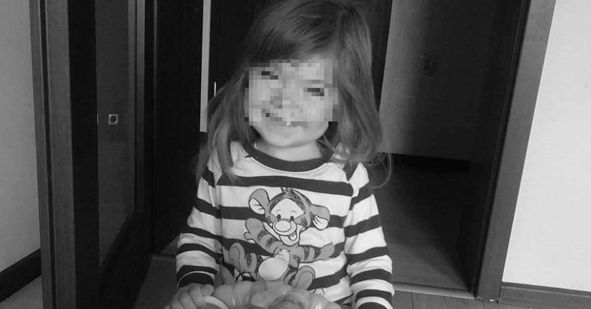Widok grobu 3-letniej Hani z Kłodzka rozdziera serce. Zamiast zniczy ułożono…