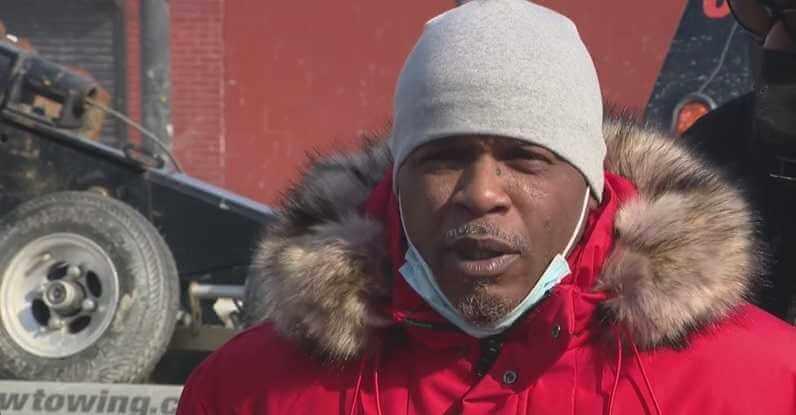 Mężczyzna okrzyknięty bohaterem po tym, jak pomógł 7 letniej dziewczynce idącej samotnie w śniegu – ubrana była tylko w piżamę