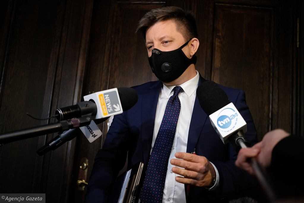 Dworczyk: Wiele wskazuje na to, że w sprawie AstraZeneki mamy do czynienia z akcją dezinformacyjną