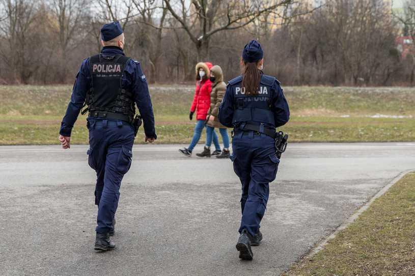 Policja: W niedzielę blisko cztery tysiące mandatów za brak maseczki