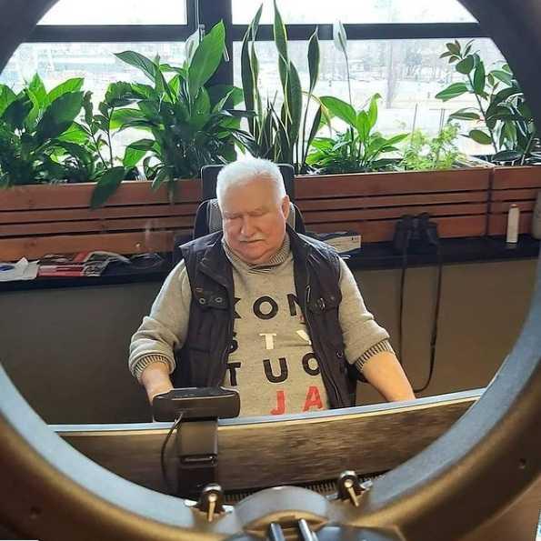 """Lech Wałęsa o wierze w Boga. """"Bo ja wierzę w Pana Boga, a nie jakimś klechom"""""""