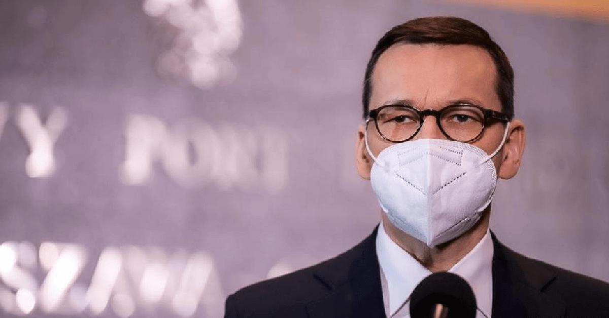 """Mateusz Morawiecki złożył życzenia i przeprosił Polaków. """"Nie mogę cofnąć czasu"""""""