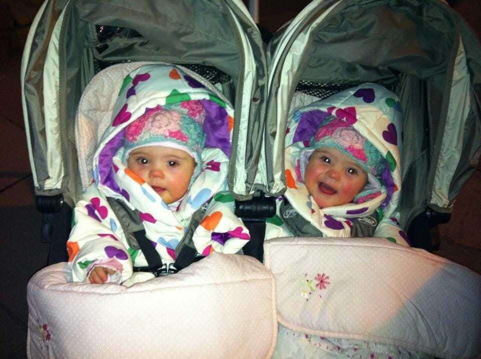"""Para jest przeszczęśliwa, gdy rodzą się bliźniaczki, a potem przychodzi lekarz i mówi: """"Tak mi przykro"""""""