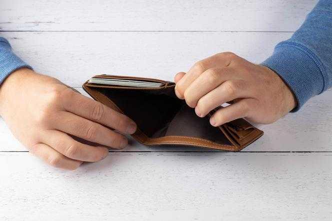 500 plus albo 13. emerytura trafiły na konto komornika? Ekspert radzi, jak odzyskać pieniądze