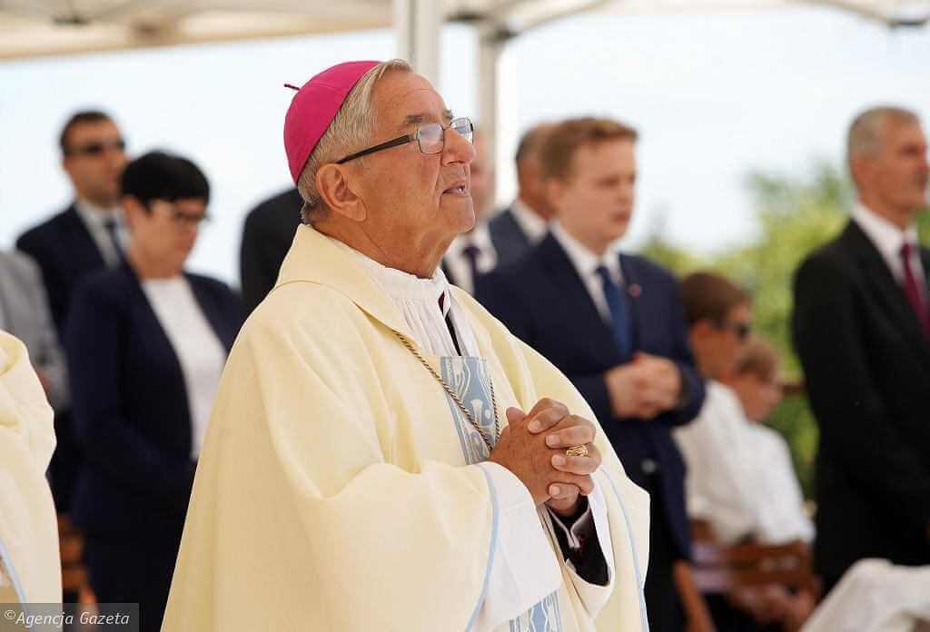 Abp Głódź spełnił część kary nałożonej przez Watykan. Opuścił rezydencję w Gdańsku