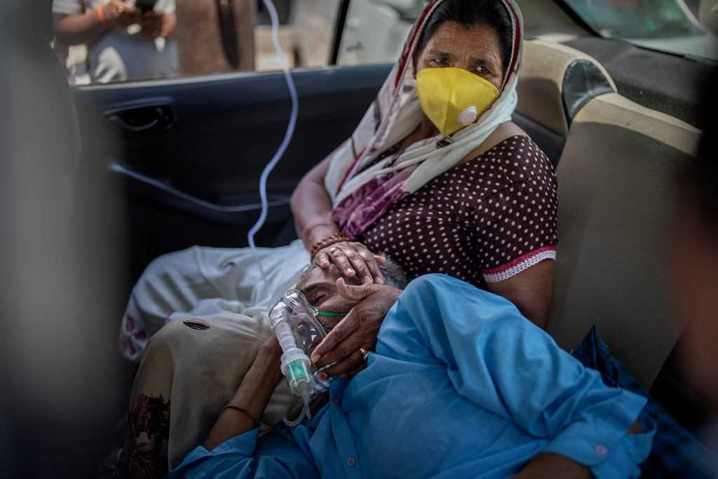 Koronawirus. Indie na skraju katastrofy humanitarnej. Rząd zmobilizował samoloty wojskowe i pociągi