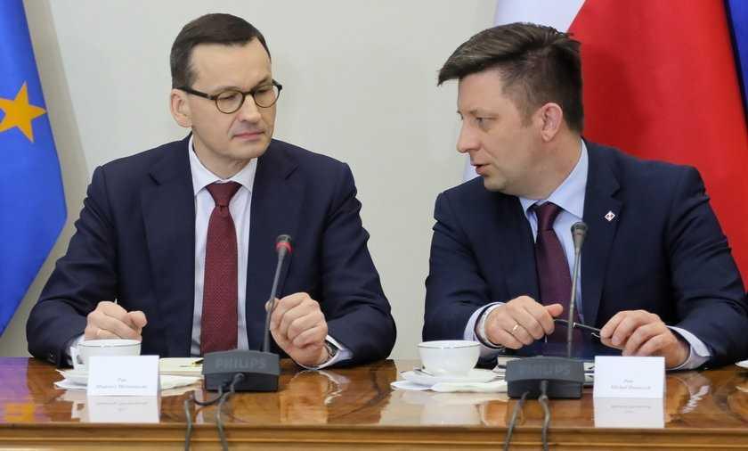 Dymisja Morawieckiego i Dworczyka? Tego chce prawie połowa Polaków po aferze mailowej