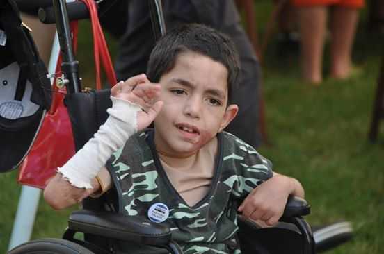 Poinformował policję o tym, że jego sąsiad zaniedbuje synka. Policjanci nie spodziewali się zobaczyć chłopca w tak złym stanie!
