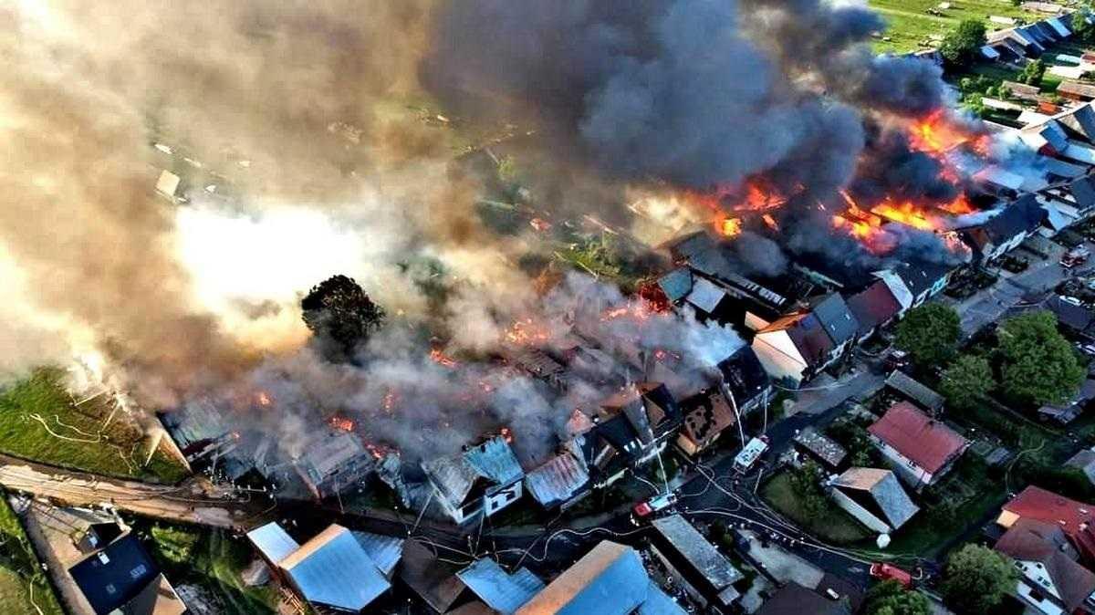 """Tragedia na Podhalu. Prezydent zabrał głos. Pisał o """"opiece Opatrzności"""" i """"bohaterstwie Strażaków"""""""