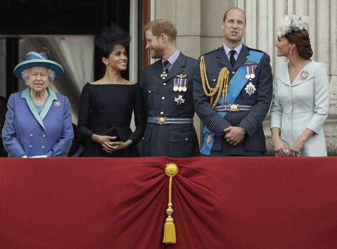 Wróżka zobaczyła przyszłość rodziny królewskiej! Złamane serca i nowy król!