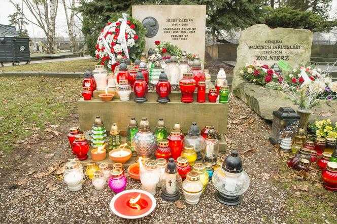 Rocznica urodzin Józefa Oleksego. Tak wygląda grób byłego premiera