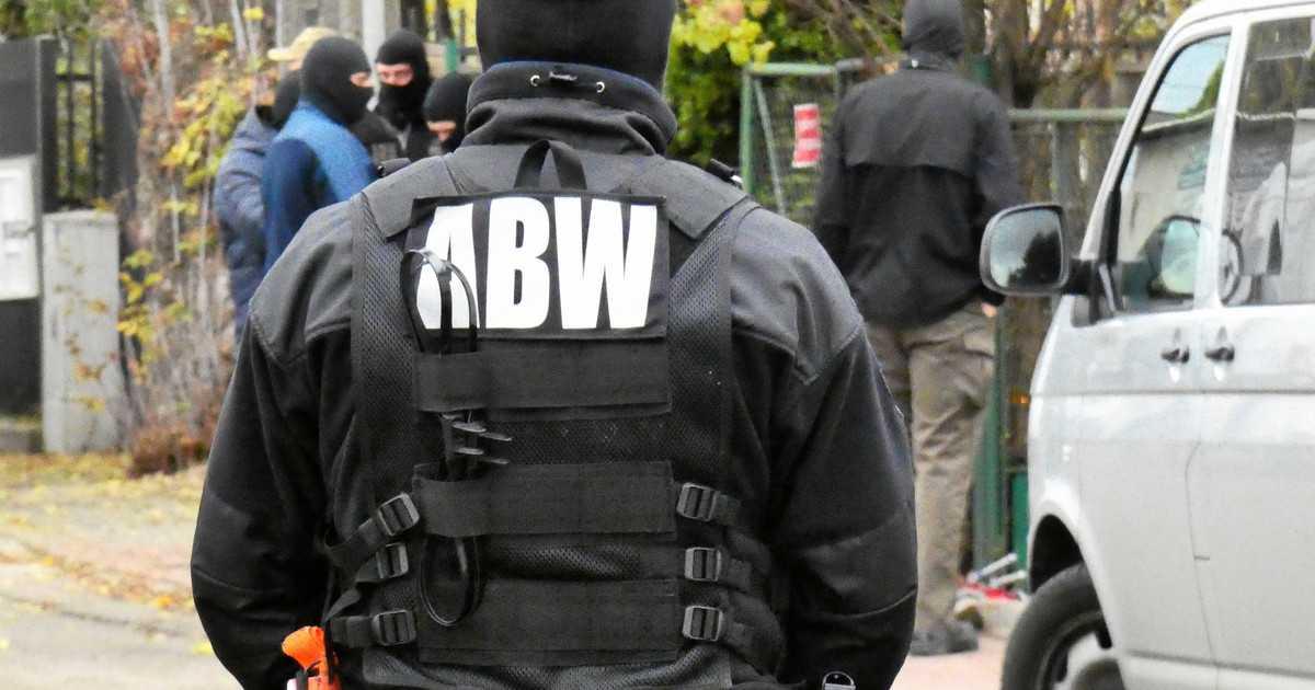 Funkcjonariusze ABW zatrzymali Bartosza Kramkę
