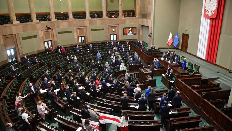 """Jarosław Kaczyński zganił koalicjantów. PiS ma być """"sprawną machiną"""""""