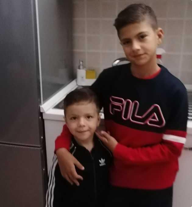 Mieli 5 i 10 lat. Bracia umierali obok siebie na ulicy. Ojciec do końca trzymał ich za ręce