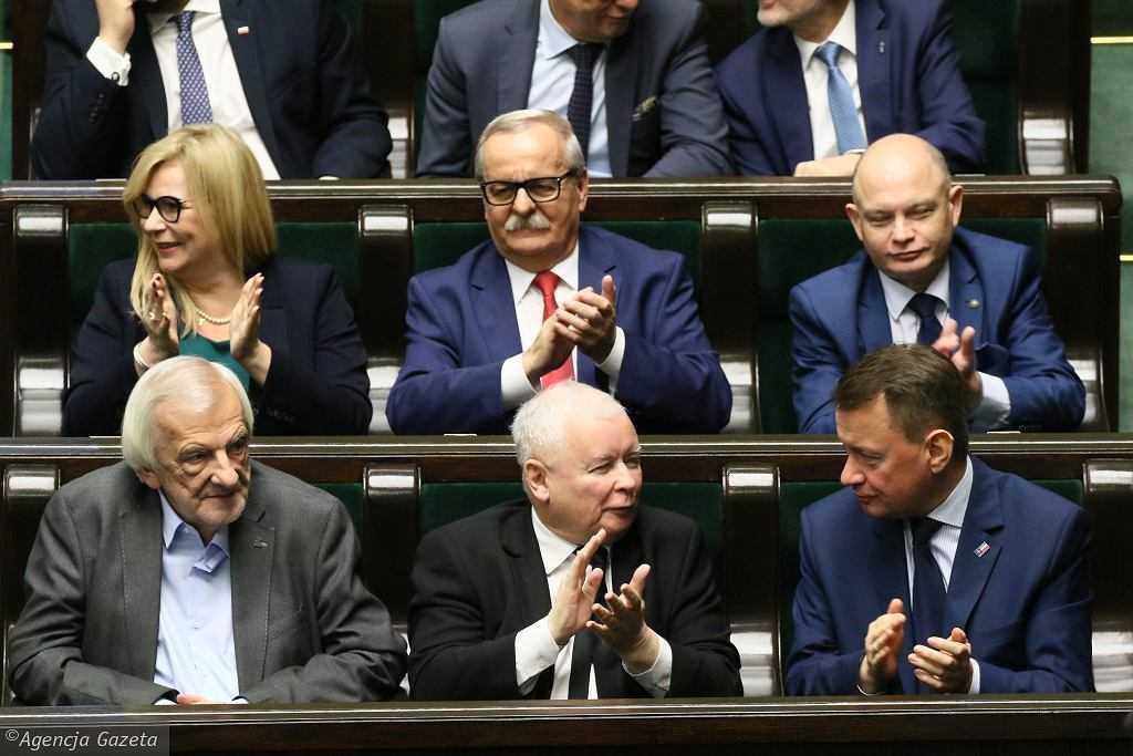 Sondaż: Wyborcy PiS wskazali następcę Kaczyńskiego. Zostawił konkurencję daleko w tyle