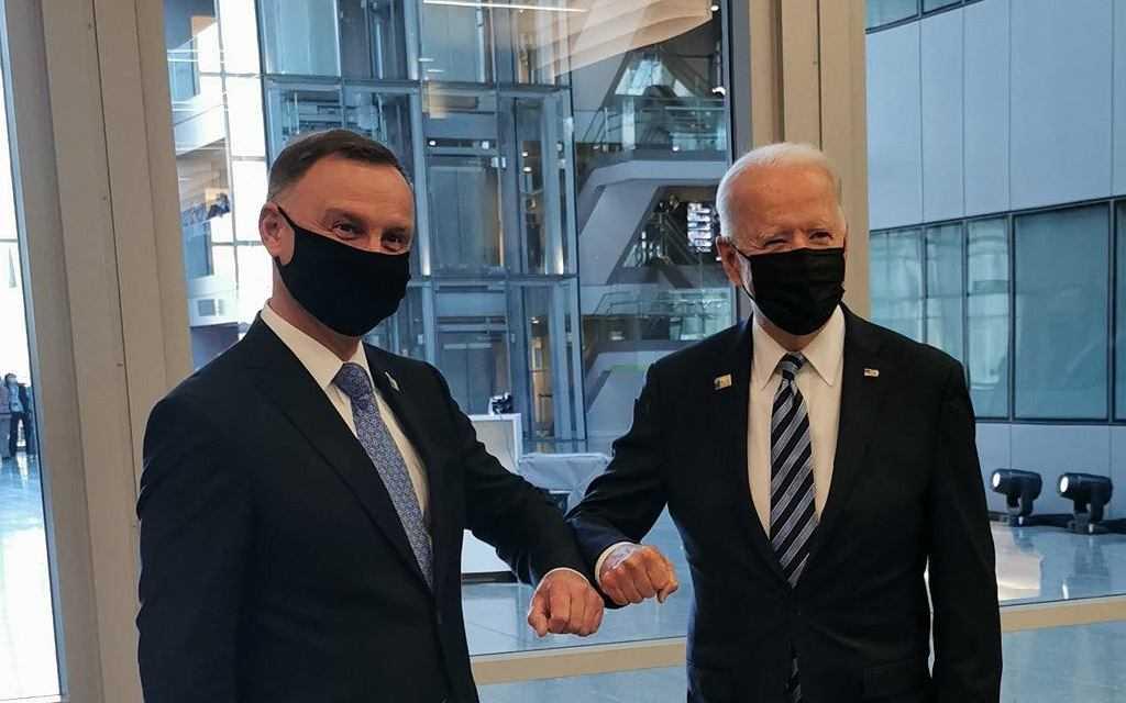 Szczerski przekazał, że Duda rozmawiał w Brukseli z Bidenem. Na razie więcej pytań niż odpowiedzi