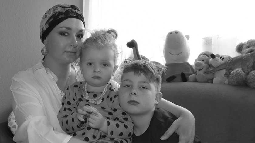 """Tragiczna historia matki dwójki dzieci. Walczyła o życie dla swoich """"bakłażanków""""!"""